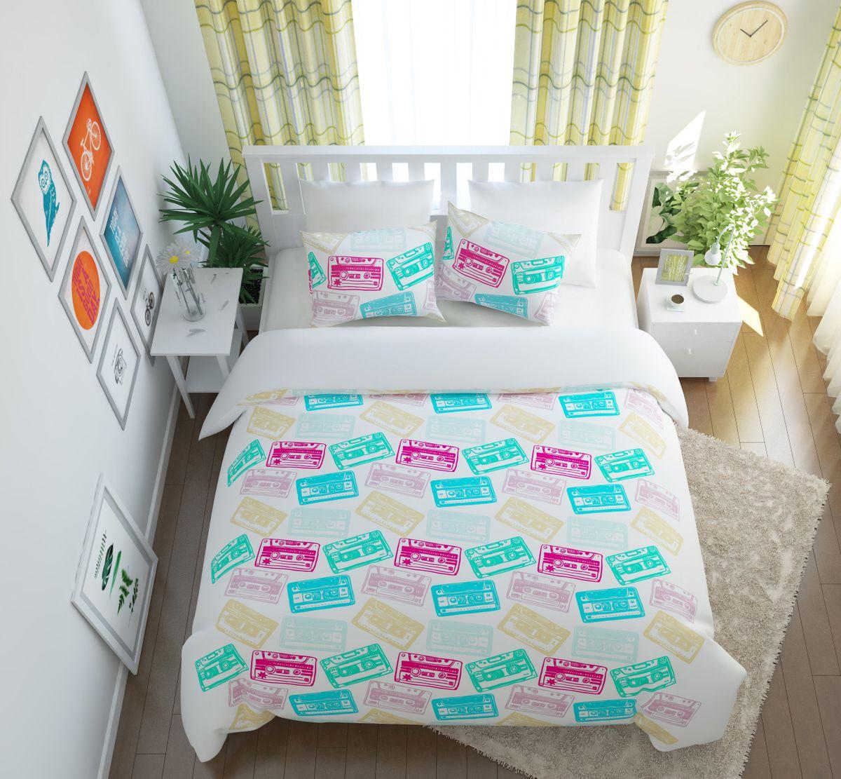 Комплект белья Сирень Фонотека, 1,5-спальный, наволочки 50x70391602Комплект постельного белья Сирень состоит из простыни, пододеяльника и 2 наволочек. Комплект выполнен из современных гипоаллергенных материалов. Приятный при прикосновении сатин - гарантия здорового, спокойного сна. Ткань хорошо впитывает влагу, надолго сохраняет яркость красок. Четкий, изящный рисунок в сочетании с насыщенными красками делает комплект постельного белья неповторимой изюминкой любого интерьера. Постельное белье идеально подойдет для подарка.
