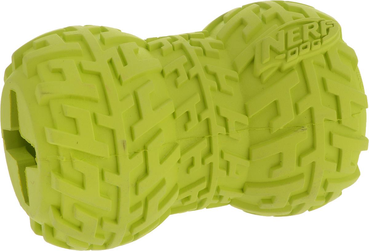 Игрушка-кормушка для собак Nerf Шина, цвет: салатовый, длина 9 смGLG019Игрушка-кормушка для собак Nerf Шина изготовлена из сверхпрочной резины, что обеспечивает долговечность использования. Игрушка имеет уникальный рисунок протектора шины. Полость внутри игрушки предназначена для любимого лакомства вашего питомца. Подходит для собак с самой мощной челюстью.Размеры игрушки: 9 х 6 х 6 см.