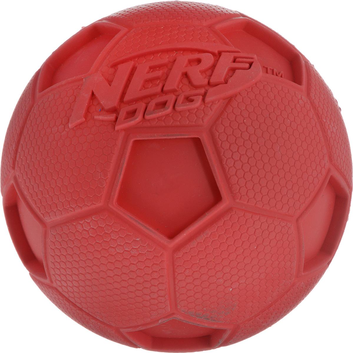 Игрушка для собак Nerf Мяч футбольный, с пищалкой, диаметр 10 см20-1125Игрушка для собак Nerf Мяч футбольный выполнена из резины в форме футбольного мяча. Игрушка оснащена пищалкой, что вызовет дополнительный интерес вашего питомца. Такая игрушка порадует вашего любимца, а вам доставит массу приятных эмоций, ведь наблюдать за игрой всегда интересно и приятно. Диаметр игрушки: 10 см.