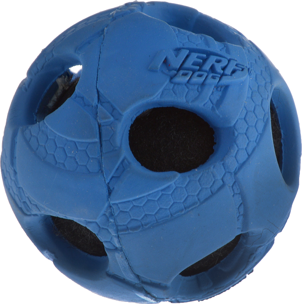 Игрушка для собак Nerf Мяч с отверстиями, диаметр 5 см20-1128Игрушка для собак Nerf Мяч с отверстиями выполнена из прочной резины с теннисным мячом внутри. Такая игрушка порадует вашего любимца, а вам доставит массу приятных эмоций, ведь наблюдать за игрой всегда интересно и приятно. Диаметр игрушки: 5 см.