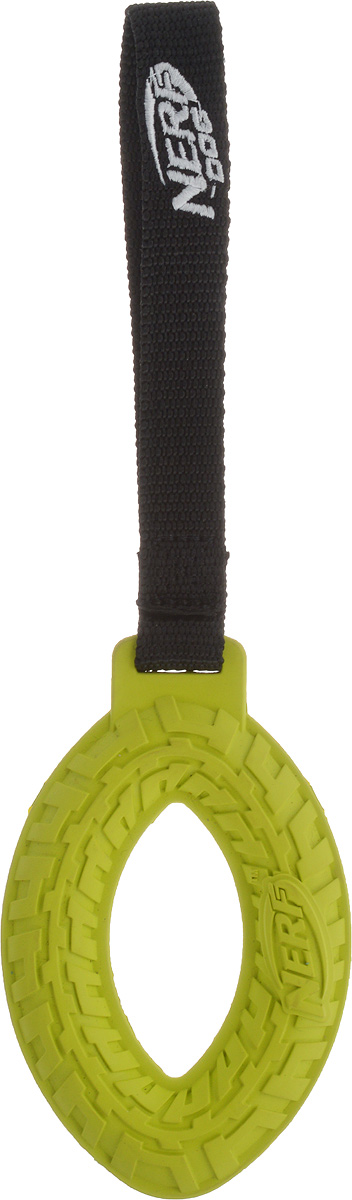 Игрушка для собак Nerf Шина, с веревкой, цвет: салатовый, черный, 27,5 см101246Игрушка для собак Nerf Шина изготовлена из сверхпрочной резины с текстильной ручкой в виде петли. Высококачественные прочные материалы, из которых изготовлена игрушка, обеспечивают долговечность использования. Подходит для собак с самой мощной челюстью. Оптимальна для перетягивания, подходит для игры двух собак.Размеры резинового элемента: 13 х 8 х 2 см.Длина ручки: 14,5 см.