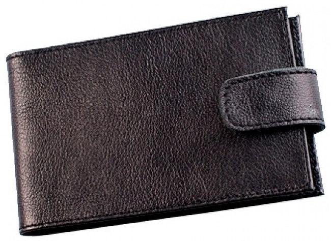 Визитница Befler, цвет: черный. V.31.-9MWH5602/3Компактная горизонтальная визитница Befler черного цвета - стильная вещь для хранения визиток. Обложка визитницы выполнена из натуральной кожи. На внутреннем развороте два кармана из прозрачного пластика. Визитница предназначена для хранения 40 визиток и 20 кредитных карт. Характеристики: Цвет: черный. Размер: 11 см x 7 см x 1 см. Размер упаковки: 14 см x 7,5 см x 2 см. Материал: натуральная кожа. Производитель: Россия. Артикул: V.31.-9.