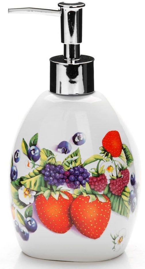 Дозатор для мыла Loraine Ягоды, 400 мл. 26282531-105Дозатор Loraine для жидкого мыла выполнен из прочного доломита высокого качества. За изделием очень легко ухаживать, для этого достаточно просто периодически промывать его водой. Диспенсер может служить как самостоятельным предметом в вашей ванной комнате, так и дополнительным аксессуаром на кухне. Рекомендовано мыть руками.