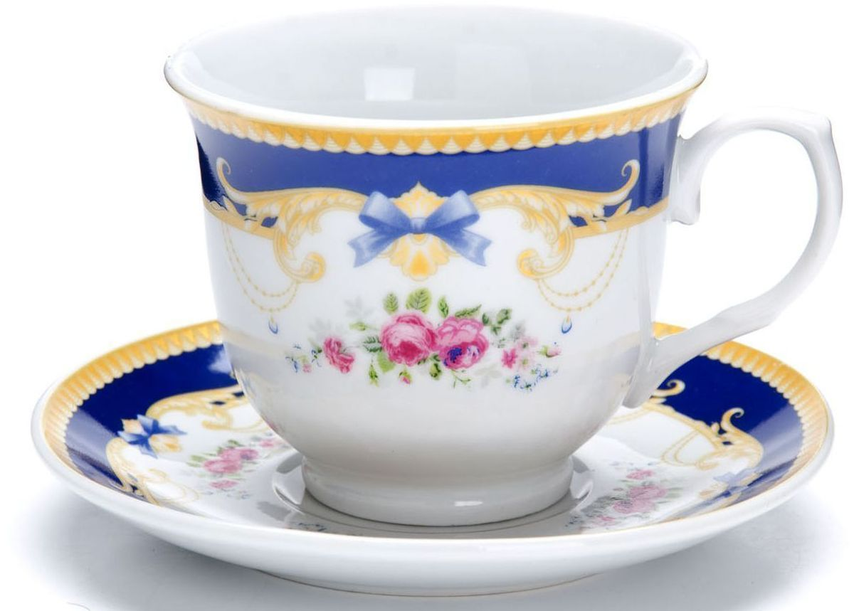 Чайный сервиз Loraine, 12 предметов, 220 мл. 26429115610Чайный набор Loraine на 6 персон, изготовленный из высококачественной керамики изысканного белого цвета, состоит из 6 чашек и 6 блюдец. Изделия набора украшены тонкой золотой каймой и имеют красивый и нежный дизайн.Набор придется по вкусу и ценителям классики, и тем, кто предпочитает утонченность и изысканность. Он настроит на позитивный лад и подарит хорошее настроение с самого утра.Набор упакован в подарочную упаковку.Такой чайный набор станет прекрасным украшением стола, а процесс чаепития превратится в одно удовольствие! Это замечательный выбор для подарка родным и друзьям!Объем чашки: 220 мл.