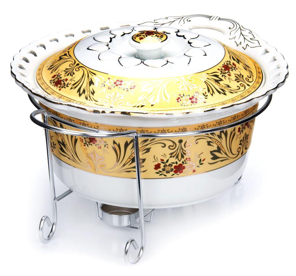 Мармит Loraine, 3 предмета, с 2 свечами, 3,2 л. 2653426534Мармит Loraine выполнен из керамики, украшенной рисунком. Керамическая чаша с удобными ручками располагается на стальной подставке с двумя подсвечниками для чайных свечей (входят в комплект). Свечи, устанавливающиеся на подставке, нагревают чашу снизу, таким образом, поддерживая нужную температуру приготовленного блюда.Керамическая крышка с удобной ручкой плотно прикрывает чашу сверху, в свою очередь, не давая остыть блюду.Благодаря своему элегантному дизайну, мармит с приготовленным блюдом можно сразу подавать на стол, не перекладывая еду на сервировочные тарелки. Изящный, с современным дизайном, мармит украсит любой праздничный стол, а блюда в нем будут всегда теплыми и ароматными.Керамическая чаша (без подставки) подходит для использования в духовом шкафу и микроволновой печи.Подходит для мытья в посудомоечной машине.Подходит для хранения в холодильнике.