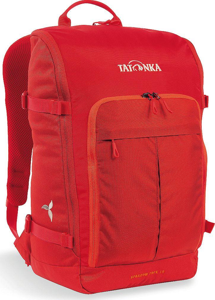 Рюкзак женский Tatonka Sparrow Pack, для учебы и работы, цвет: красный, 19 л1629.015Tatonka Sparrow Pack- это компактный женский рюкзак для учебы или работы. Основное отделение открываются полностью благодаря молнии, идущей по всему периметру рюкзака: собирать рюкзак очень легко, кроме того, легко достать любые вещи. Это удобно, например, в аэропорту на регистрации. Для ноутбука предусмотрен специальный карман. В передней части рюкзака находится отделение с органайзером. Благодаря лямкам анатомической формы и нагрудному ремню, носить рюкзак комфортно и легко.Преимущества и особенности: - Спинка Vent Comfort;- Лямки анатомической формы;- Регулируемый нагрудный ремень;- Компрессионные стропы;- Ручка для переноски;- Дополнительные карманы в основном отделении;- Основное отделение открывается полностью;- Уплотненное дно;- Передний карман с органайзером;- Крючок для ключей;- Отделение для ноутбука 15,4 дюйма.Размер: 43 x 26 x 15 см.