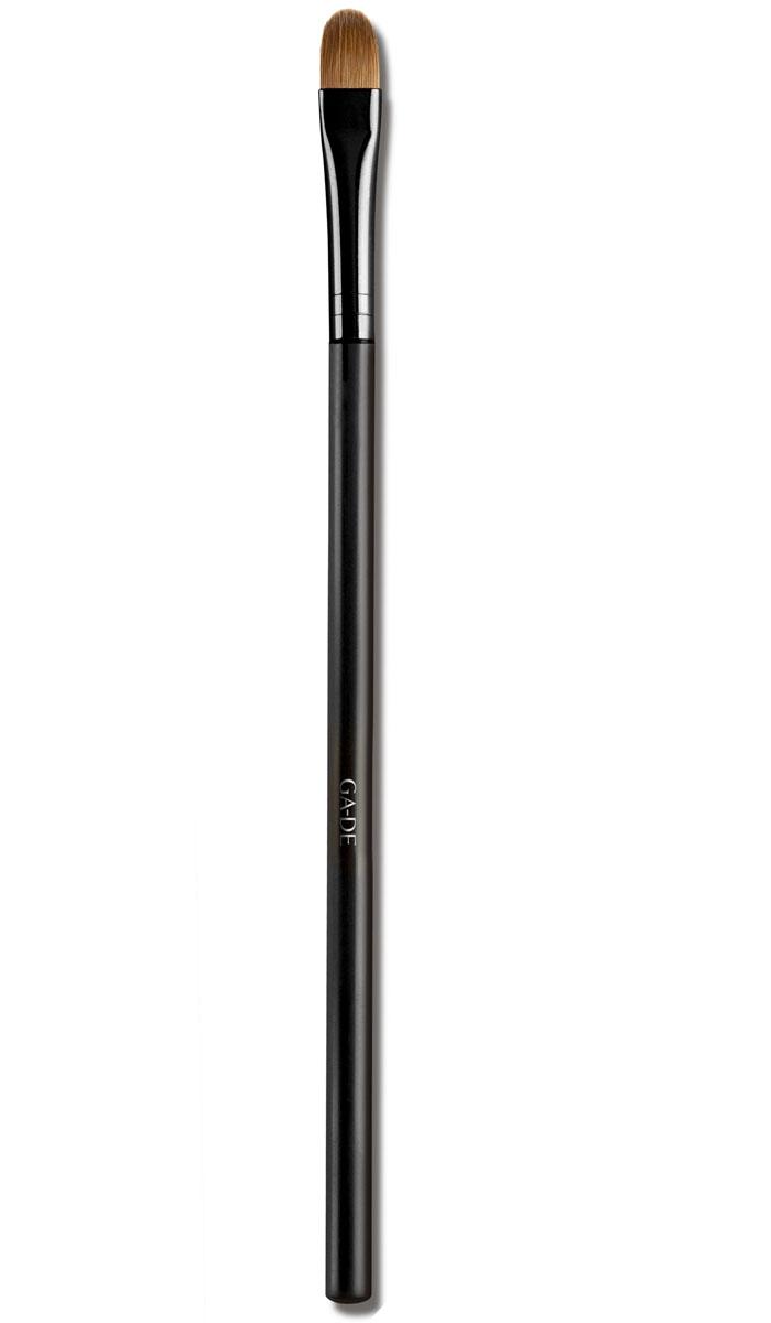 GA-DE Кисть для век № 3перфорационные unisexУдобно наносить тени, создавая цветовые переходы, работать с сатиновыми тенями, блесками, пигментами, глиттерами, за счет плоской формы рабочей части и широкой нижней части.