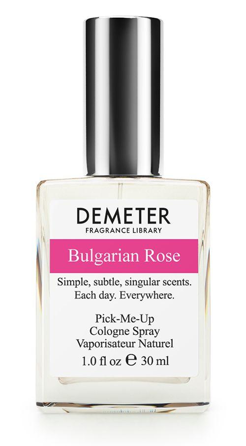 Demeter Fragrance Library Духи-спрей Болгарская роза (Bulgarian rose), женские, 30 млGESS-701Чем же так хороша болгарская роза? Секрет в том, что именно Болгария является крупнейшим экспортером весьма дорогого продукта - розового масла. Чтобы получить всего один грамм такого масла, необходимо переработать больше 1,5 тысячи бутонов, а для того, чтобы путем дистилляции выделить 1 кг масла - 3,5 тонны лепестков. Впечатляет? 30 мл флакона Bulgarian rose, по скромным подсчетам, вместили 45 тысяч цветков. Согласитесь, такой букет и подарить не стыдно!Способ применения: нанести на сухую, чистую кожу. На точки пульса, волосы, одежду.Духи считаются самым изысканным видом парфюмерной продукции и содержат самый большой процент ароматической композиции (от 15% до 30% и более), растворенной в очень чистом спирте (96% об.). Высокое содержание экстракта обеспечивает духам большую стойкость и силу по сравнению с другими видами парфюмерных товаров. Всего лишь пары капель достаточно для того, чтобы запах держался в течение 5 и более часов.Товар сертифицирован.