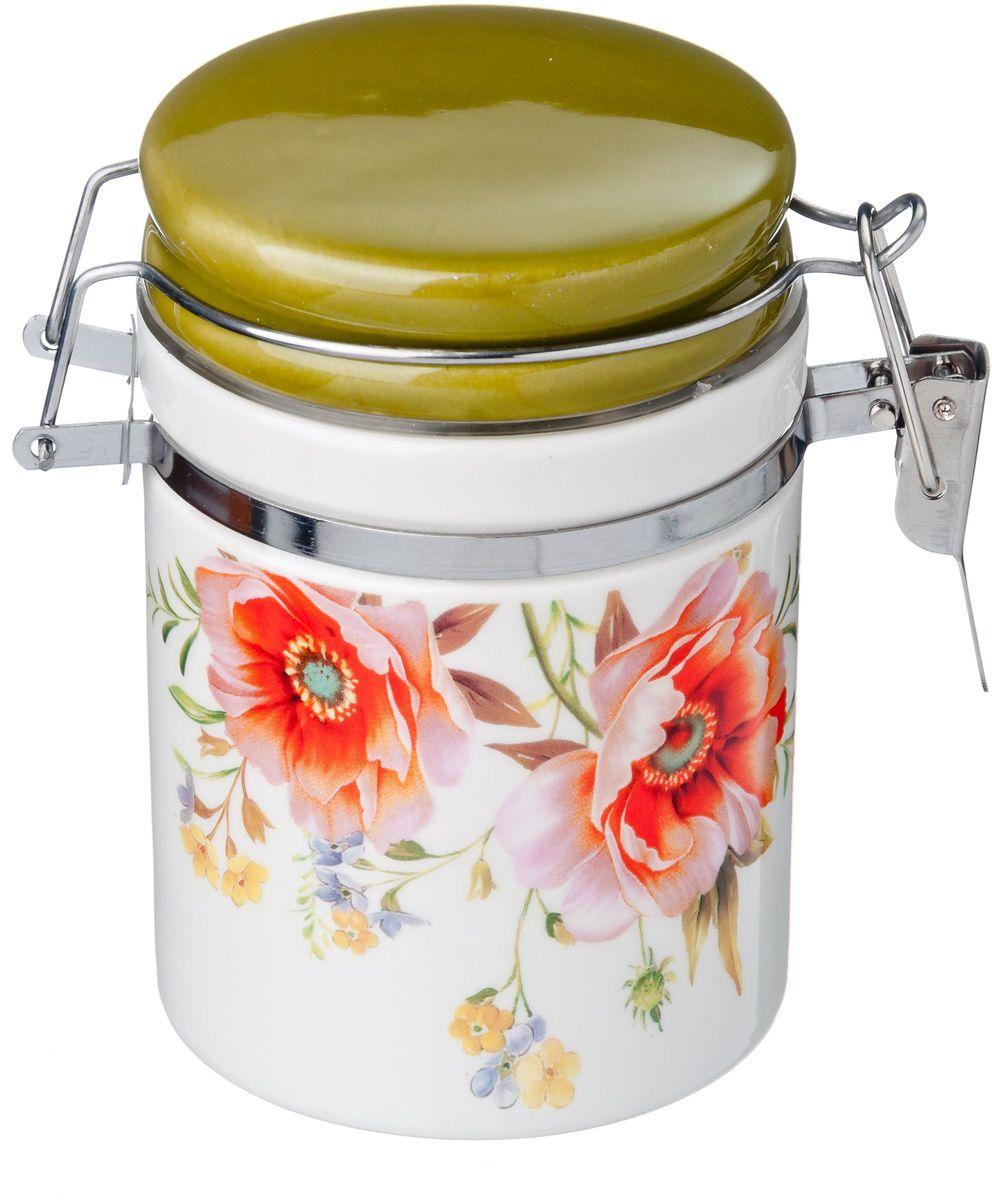 Банка для сыпучих продуктов Vetta Весна, с зажимом, 250 млVT-1520(SR)Банка для сыпучих продуктов Весна изготовлена из прочной керамики. Изделие оформлено красочным цветочным изображением. Банка прекрасно подойдет для хранения различных сыпучих продуктов: чая, кофе, сахара, и многого другого. Благодаря силиконовой прослойке и бугельному замку, крышка герметично закрывается, что позволяет дольше сохранять продукты свежими. Изящная емкость не только поможет хранить разнообразные сыпучие продукты, но и стильно дополнит интерьер кухни.