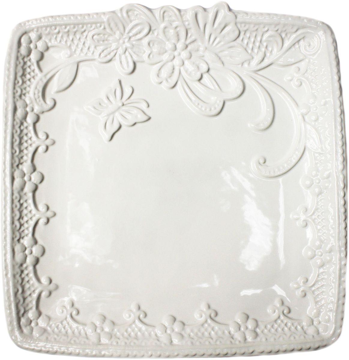 Тарелка Vetta Бабочка, квадратная, 25 х 25 смFS-91909Тарелка Бабочка, выполненная из высококачественной керамики белого цвета, украшена рельефным рисунком в виде узоров, бабочек и цветов. Такая тарелка прекрасно подойдет как для торжественных случаев, так и для повседневного использования. Идеальна для подачи вторых блюд. Тарелка Бабочка прекрасно оформит стол и станет отличным дополнением к вашей коллекции кухонной посуды.
