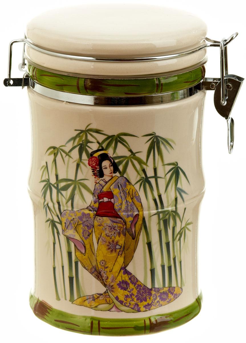 Банка для сыпучих продуктов Polystar Harmony, 800 млVT-1520(SR)Банка для сыпучих продуктов Harmony изготовлена из прочной керамики, закрывается крышкой, оформлена ярким рисунком в японском стиле. Банка прекрасно подойдет для хранения различных сыпучих продуктов: чая, кофе, сахара, круп и многого другого. Благодаря силиконовой прослойке и бугельному замку, крышка герметично закрывается, что позволяет дольше сохранять продукты свежими. Изящная емкость не только поможет хранить разнообразные сыпучие продукты, но и стильно дополнит интерьер кухни.