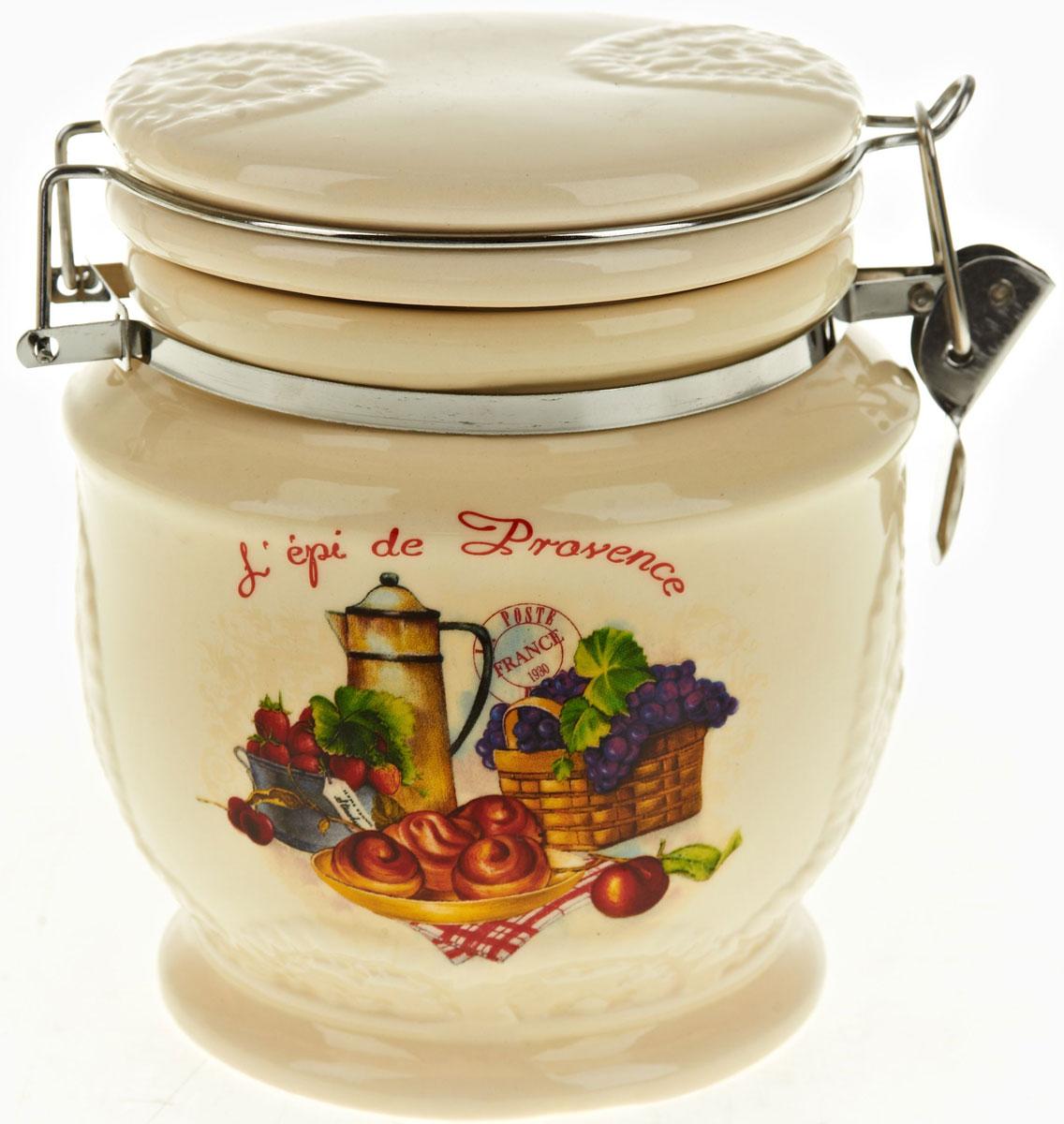 Банка для сыпучих продуктов Polystar French Breakfast, 730 млVT-1520(SR)Банка для сыпучих продуктов French breakfast изготовлена из прочной керамики, закрывается крышкой. Банка оригинальной формы, прекрасно подойдет для хранения различных сыпучих продуктов: чая, кофе, сахара, круп и многого другого. Благодаря силиконовой прослойке и бугельному замку, крышка герметично закрывается, что позволяет дольше сохранять продукты свежими. Изящная емкость не только поможет хранить разнообразные сыпучие продукты, но и стильно дополнит интерьер кухни.