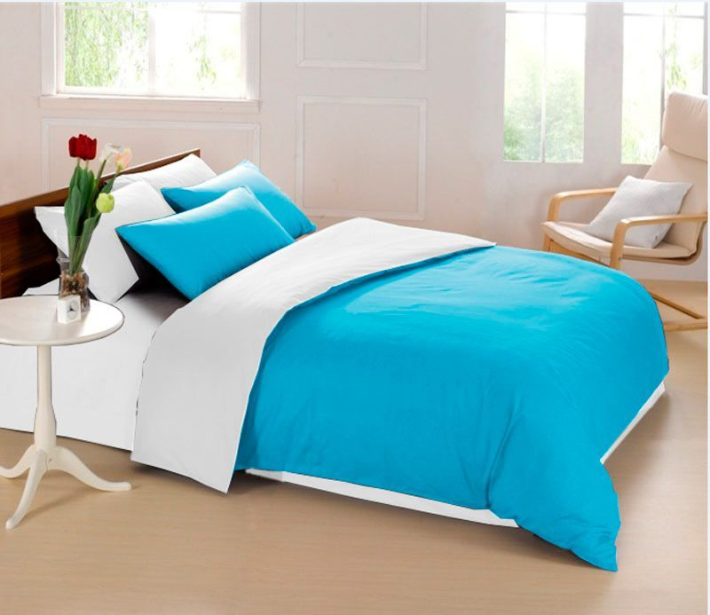 Комплект белья Sleep iX Perfection, 2-спальный, наволочки 70х70, цвет: голубой, белый. pva215356391602Комплект белья Sleep iX Perfection выполнен из микрофреша (100% микрофибра). Микрофреш - это легкая, нежная и неприхотливая в уходе ткань.Комплект белья Sleep iX Perfection станет прекрасным подарком для родных и близких, отлично впишется в любой интерьер спальни.Размер пододеяльника: 180 х 220 см.Тип застежки на пододеяльнике: молния (100 см).Размер простыни: 220 х 240 см.Размер наволочек: 70 х 70 см (2 шт).