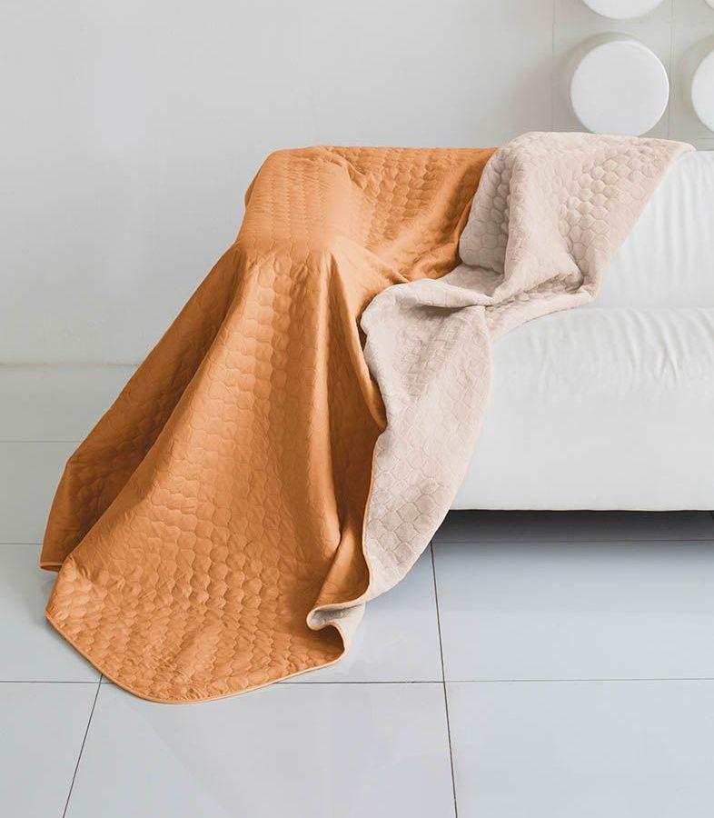 Комплект для спальни Sleep iX Multi Set, 2-спальный, цвет: оранжевый, молочно-розовый, 4 предмета. pva22154580663Комплект для спальни Sleep iX Multi Set состоит из покрывала, простыни, 2 наволочек. Верх многофункционального одеяла-покрывала выполнен из мягкой микрофибры, которая хорошо сохраняет тепло, устойчива к стирке и износу, а низ выполнен изискусственного меха. Этот мех не требует специального ухода, он легко чистится и долгое время сохраняет мягкость и внешний вид. Наволочки, простыня и чехлы подушек выполнены из микрофибры. Комплект для спальни Sleep iX Multi Set - это прекрасный способ придать спальне уют и привнести в интерьер что-то новое.Размер одеяла-покрывала: 180 х 220 см.Размер простыни: 230 х 240 см.Размер наволочек: 50 х 70 см. (2 шт)Наполнитель: Силиконизированное волокно.