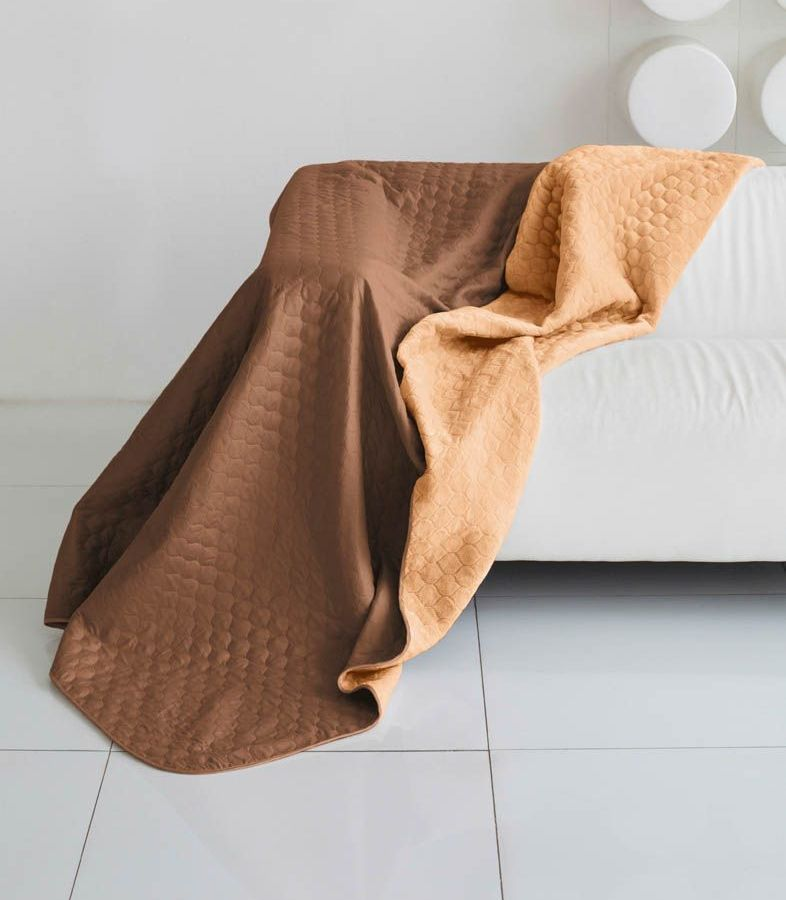 Комплект для спальни Sleep iX Multi Set, евро, цвет: коричневый, рыжий, 4 предмета. pva221554ES-412Комплект для спальни Sleep iX Multi Set состоит из покрывала, простыни, 2 наволочек. Верх многофункционального одеяла-покрывала выполнен из мягкой микрофибры, которая хорошо сохраняет тепло, устойчива к стирке и износу, а низ выполнен изискусственного меха. Этот мех не требует специального ухода, он легко чистится и долгое время сохраняет мягкость и внешний вид. Наволочки, простыня и чехлы подушек выполнены из микрофибры. Комплект для спальни Sleep iX Multi Set - это прекрасный способ придать спальне уют и привнести в интерьер что-то новое.Размер одеяла-покрывала: 200 х 220 см.Размер простыни: 230 х 240 см.Размер наволочек: 50 х 70 см. (2 шт)Наполнитель: Силиконизированное волокно.