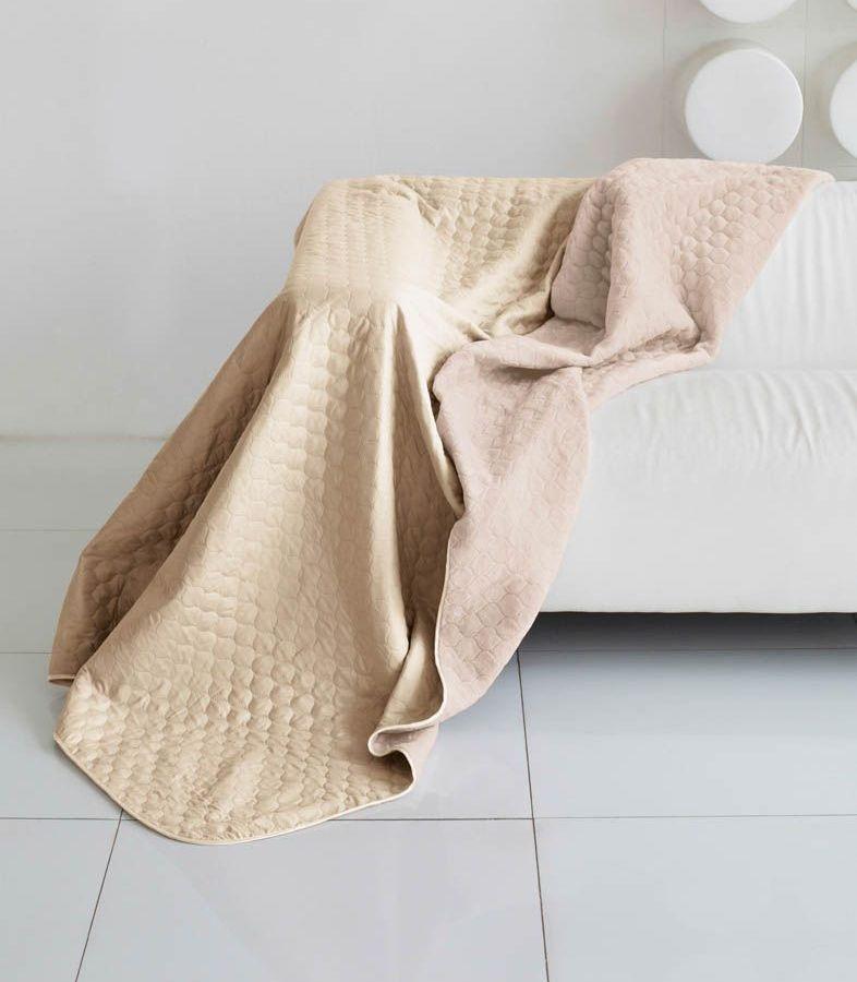 Комплект для спальни Sleep iX Multi Set, 2-спальный, цвет: бежевый, молочно-розовый, 6 предметов. pva221602pva221602Комплект для спальни Sleep iX Multi Set состоит из покрывала, простыни, 2 наволочек и 2 подушек. Верх многофункционального одеяла-покрывала выполнен из мягкой микрофибры, которая хорошо сохраняет тепло, устойчива к стирке и износу, а низ выполнен изискусственного меха. Этот мех не требует специального ухода, он легко чистится и долгое время сохраняет мягкость и внешний вид. Наволочки, простыня и чехлы подушек выполнены из микрофибры. Комплект для спальни Sleep iX Multi Set - это прекрасный способ придать спальне уют и привнести в интерьер что-то новое.Размер одеяла-покрывала: 180 х 220 см.Размер простыни: 230 х 240 см.Размер наволочек: 50 х 70 см. (2 шт)Размер подушек: 50 х 68 см. (2 шт)Наполнитель: Силиконизированное волокно.