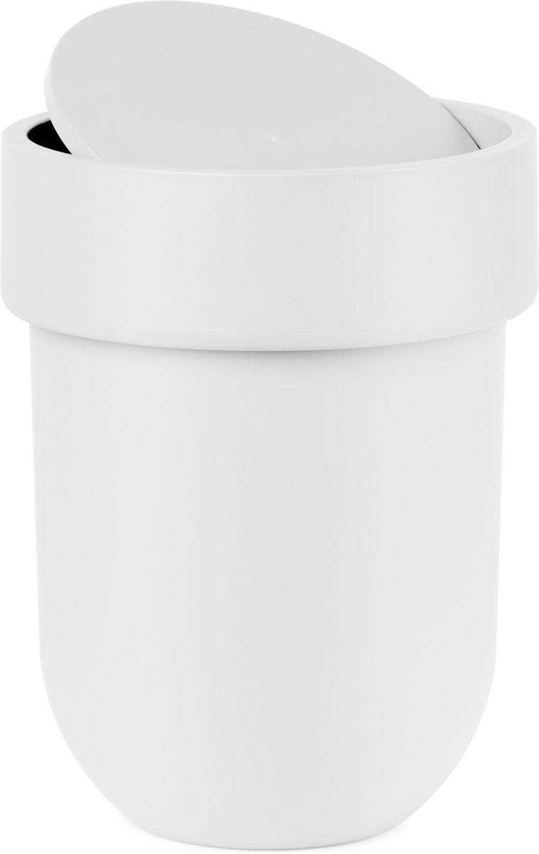 Контейнер мусорный Umbra Touch, с крышкой, цвет: белый, 25,4 х 19 х 19 см68/5/3Как много всего ненужного можно обнаружить на столе: скомканные бумаги для заметок, упаковки от шоколадок, старые скрепки и скобы для степлера. Отправьте весь этот хлам в мусорное ведро, чтобы сделать жизнь чище и упорядоченнее. Лаконичный и простой контейнер Touch не займет много места и будет прилежно исполнять свои обязанности по накоплению мусора.