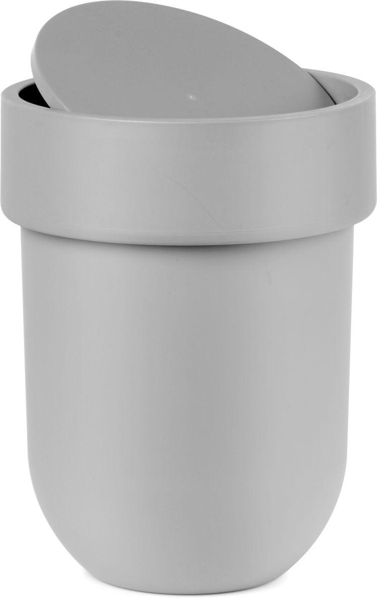 Контейнер мусорный Umbra Touch, с крышкой, цвет: серый, 25,4 х 19 х 19 см531-105Как много всего ненужного можно обнаружить на столе: скомканные бумаги для заметок, упаковки от шоколадок, старые скрепки и скобы для степлера. Отправьте весь этот хлам в мусорное ведро, чтобы сделать жизнь чище и упорядоченнее. Лаконичный и простой контейнер Touch не займет много места и будет прилежно исполнять свои обязанности по накоплению мусора.