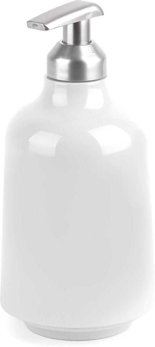 Диспенсер для жидкого мыла Umbra Step, цвет: белый, 19 х 8,3 х 8,3 смCLP446Мыло душистое, полотенце пушистое - если мыть руки, то с этим слоганом. Потому что приятно пахнущее мыло, например, ванильное или земляничное, поднимает настроение. А если оно внутри красивого диспенсера, который поможет отмерить нужное количество, это вдвойне приятно. Те, кто покупает жидкое мыло, знают, что очень часто оно продается в некрасивых упаковках или очень больших бутылках, которые совершенно неудобно ставить на раковину. Проблема решена вот с таким лаконичным симпатичным диспенсером. Теперь вы не забудете вымыть руки перед едой! P.S. (Важная подсказка): диспенсер также можно использовать на кухне для моющего средства, получается очень экономно.