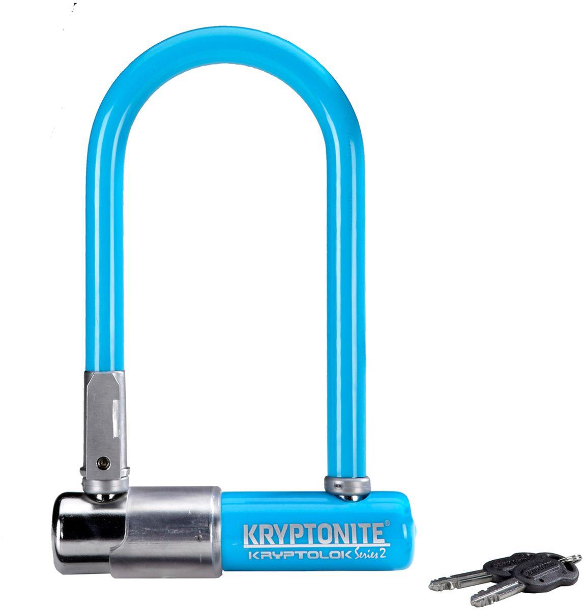 Замок велосипедный Kryptonite U-locks KryptoLok Series 2 Mini-7, U-образный, цвет: синий, 8,2 х 17 см0720018001560Велозамок Kryptonite Kryptolok series 2 Mini-7 имеет компактный размер, надёжность и яркую цветовую гамму.Уникальный набор ключей, 13-ти миллиметровая дужка и двойная конструкция засова гарантированно не поддадутся кусачкам и взлому. Благодаря своим габаритам, u-lock легко возить с собой в сумке или за ремнем.Характеристика:- 13 мм закаленная стальная скоба;- Система Transit Flex Frame-U для крепления к раме байка;- Виниловое покрытие, не оставляющее царапин на раме;- Защита от стука и шума;- Защита от пыли и влаги;- В комплекте - 2 ключа;- Уровень защиты 6 из 10.Диаметр дуги замка: 13 мм.Размеры замка: 8,2 х 17 см.Вес модели: 1,11 кг.