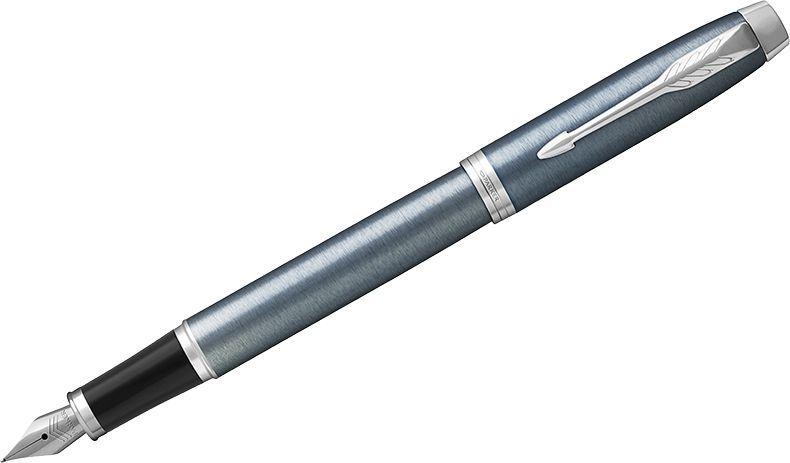 Parker Ручка перьевая IM Light Blue Grey CT синяя72523WDПерьевая ручка в лакированном корпусе серо-синего цвета с круговой полировкой. Хромированная отделка деталей с полировкой