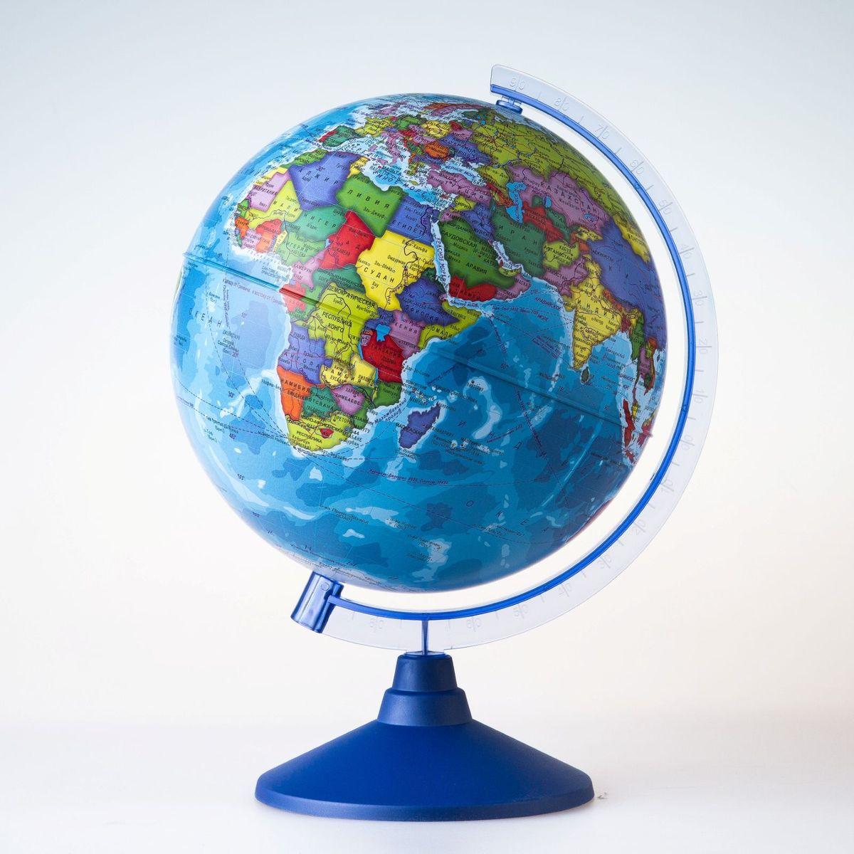 Глобен Глобус политический Классик Евро диаметр 25 см1072906Глобус для всех, глобус каждому!Глобус — самый простой способ привить ребенку любовь к географии. Он является отличным наглядным примером, который способен в игровой доступной и понятной форме объяснить понятия о планете Земля.Также интерес к глобусам проявляют не только детки, но и взрослые. Для многих уменьшенная копия планеты заменяет атлас мира из-за своей доступности и универсальности.Умный подарок! Кому принято дарить глобусы? Всем! Глобус политический диаметр 250мм Классик Евро — это уменьшенная копия земного шара, в которой каждый найдет для себя что-то свое.путешественники и заядлые туристы смогут отмечать с помощью стикеров те места, в которых побывали или собираются их посетитьделовые и успешные люди оценят такой подарок по достоинству, потому что глобус ассоциируется со статусом и властьюпреподаватели, ученые, студенты или просто неординарные личности также найдут для глобуса достойное место в своем доме.Итак, спешите заказать настольные глобусы в нашем интернет-магазине по привлекательным ценам, и помните, кто владеет глобусом, тот владеет миром!