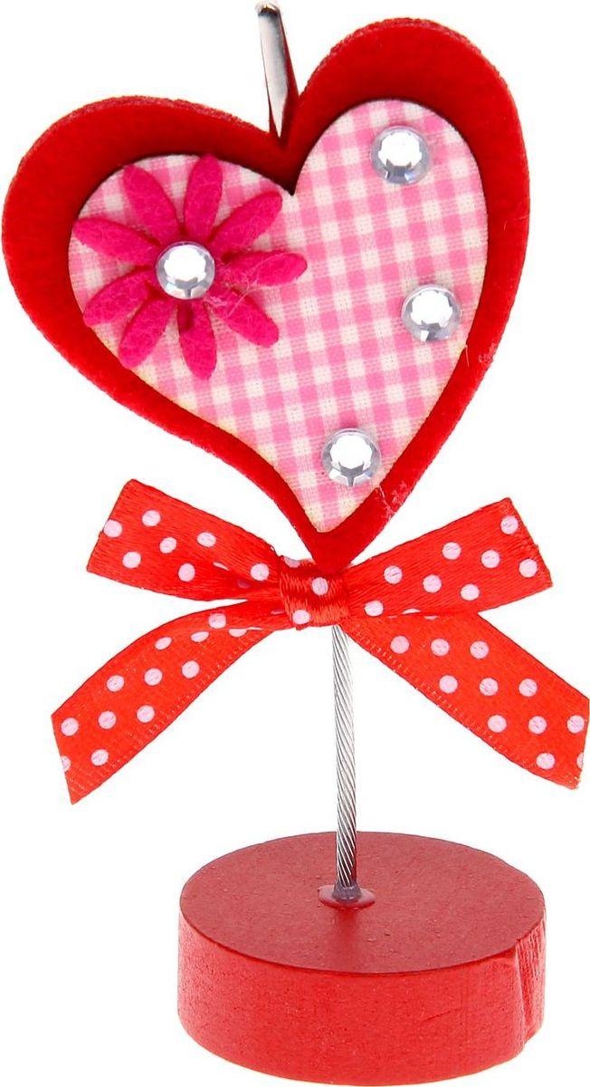 Визитница-прищепка Сердце со стразами1215384Полезный аксессуар, который украсит интерьер и внесет в него частичку уюта, доброты, тепла. С обратной стороны находится прищепка, благодаря которой можно закрепить памятную фотографию или открытку с приятным пожеланием.станет оригинальным презентом или украшением праздничного стола.