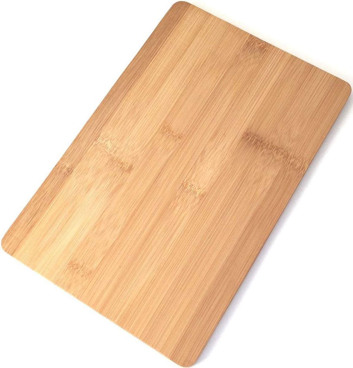 Доска разделочная Dommix, прямоугольная, 20 х 30 х 1 см. BNB95054 009312Доска разделочная Dommix выполнена из натурального дерева бамбука. Доска снабжена удобной ручкой,страна изготовления Китай. Упаковано в полиэтиленовую пленку. Размер 30х20х1 см . Прекрасно подходит для приготовления и сервировки пищи. Особенности разделочной доски Dommix: высокое качество шлифовки поверхности изделий,двухслойное покрытие пищевым лаком, безопасным для здоровья человека, степень влажность 8-10%, не трескается и не рассыхается, высокая плотность структуры древесины,устойчива к механическим воздействиям,не предназначена для мытья в посудомоечной машине.