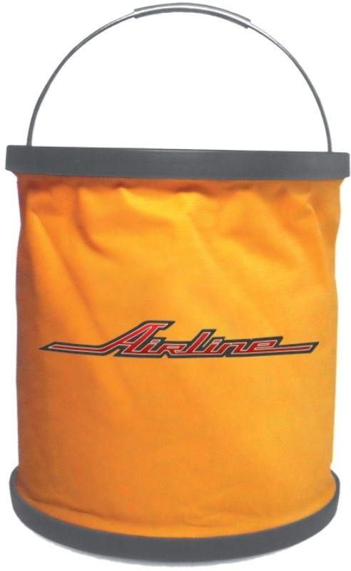 Ведро-трансформер Airline, цвет: оранжевый, 11 л787502Ведро-трансформер является особой разработкой AIRLINE: оно изготовлено из ткани с особым строением, которая не пропускает жидкость. Ведро легко складывается и раскладывается с помощью удобного механизма. В разложенном состоянии вместимость ведра составляет 11 литров. Изделие удобно помещается в багажник любого автомобиля и не занимает много места. Ведро изготовлено в фирменном оранжевом цвете компании-производителя с нанесением логотипа AIRLINE.