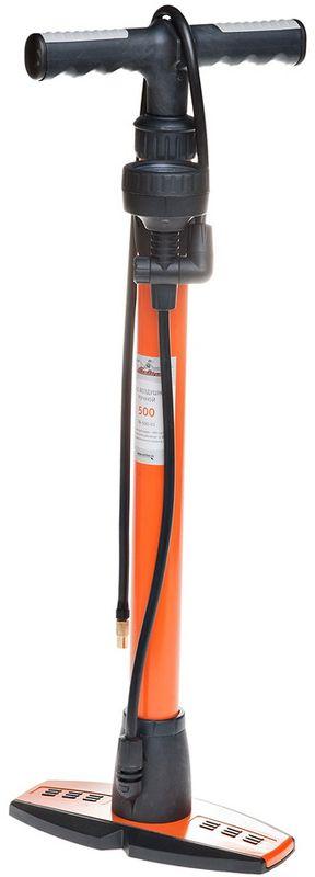 Насос Airline, ручной, с манометром, цвет: оранжевый, черный580 TORNADOРучной насос Airline изготовлен с использованием высокопрочных материалов, которые не подвержены перепадам температур и коррозии при морозных условиях. Изделие идеально подходит для подкачки шин автомобилей, мотоциклов и велосипедов. Высокоточный металлический манометр можно расположить на любой удобной для вас высоте. Комплект насадок хранится в специальном углублении в ручке насоса.Максимально допустимое значение давления устройства составляет 5 Атм (кг/см2), а объем цилиндра равен 500 см3. Максимальное давление: 5 Атм.Длина соединительного шланга: 70 см.