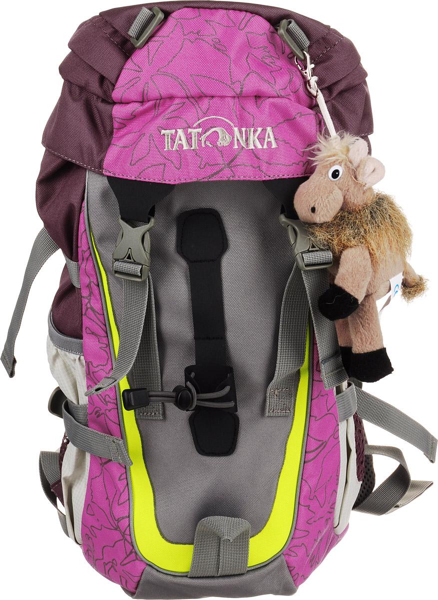 Tatonka Рюкзак детский Mowgli цвет розовый72523WDНастоящий треккинговый рюкзак Tatonka Mowgli предназначен для детей старше 6 лет.По оснащению этот детский рюкзак ни в чем не уступает взрослым рюкзакам. Рюкзак состоит из одного отделения, которое затягивается шнурком и закрывается на клапан с пластиковыми карабинами. С внутренней и внешней стороны клапана есть врезные кармашки на застежке-молнии. На лицевой стороне рюкзак дополнен подвеской-игрушкой с логотипом Tatonka. По бокам имеются два открытых кармана, которые можно затянуть удобными ремешками. Так же по бокам по бокам рюкзак дополнен стяжками. Имеются нагрудный и поясной ремни, петля для закрепления палок. Уплотненная спинка равномерно распределяет нагрузку на плечевые суставы и спину, а две широкие лямки можно регулировать по длине.Такой рюкзак непременно понравится вашему ребенку.