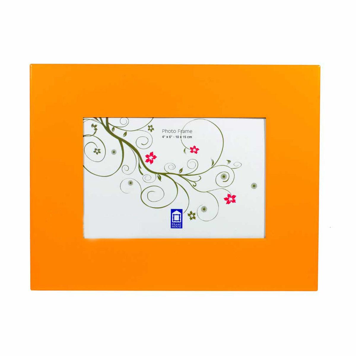 Фоторамка PATA, цвет: оранжевый, 10 x 15 см25051 7_зеленыйФоторамка PATA - прекрасный способ красиво оформить фотографию. Фоторамка выполнена из металла, покрытого краской. Изделие можно поставить на стол с помощью специальной ножки или подвесить на стену, для чего с задней стороны предусмотрены отверстия. Такая фоторамка поможет сохранить на память самые яркие моменты вашей жизни, а стильный дизайн сделает ее прекрасным дополнением интерьера комнаты.
