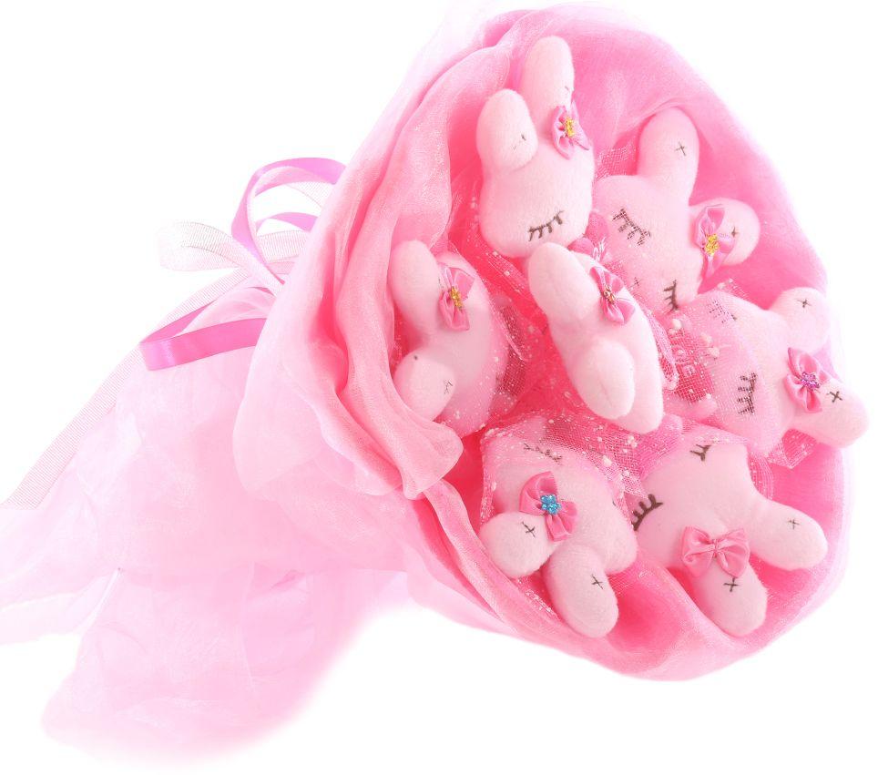 Букет из игрушек Toy Bouquet Зайчата, цвет: розовый, 7 игрушекV1520/1AБукет из 7 милых зайчиков, розового цвета, упакован в мягкую струящуюся органзу с добавлением флористической сетки, перевязан широкой атласной лентой с добавлением серебристой парчовой тесьмы.Мягкие игрушки, оформленные в букет – приятный подарок для любимой, для мамы, подруги или для ребенка. Оригинальные букеты торговой марки TOY BOUQUET из мягких игрушек прекрасно подойдут для многих праздников: День Святого Валентина, 8 марта, день рождения, выпускной, а также на другие памятные даты или годовщины.