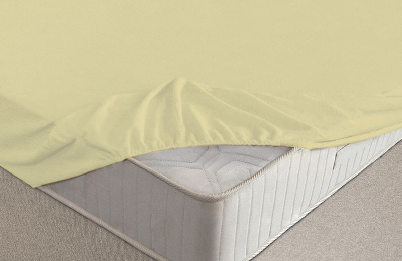 Простыня на резинке Ecotex, махровая, цвет: желтый, 90 х 200 смБрелок для ключейМахровые простыни на резинке сшиты из высококачественного махрового полотна, окрашены стойкими экологически безопасными красителями. Они уже успели завоевать признание потребителей благодаря своим практичным характеристикам. Имеют резинку по всему периметру, что даёт возможность надежно зафиксировать простыню на матрасе, тем самым создавая здоровый и комфортный сон. Натяжные махровые простыни довольно практичны, т.к. махровое полотно долговечно. Выолнены из 100% хлопка и не содержат синтетических добавок.