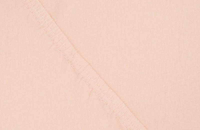 Простыня на резинке Ecotex Поплин, цвет: персиковый, 140 х 200 см531-401Простыня на резинке по всему периметру – это очень удобно! Она всегда ровно, без единой морщинки, застилает матрас. Легко заправляется и фиксируется с помощью «юбки» с резинкой по всему периметру. Нежное прикосновение к телу бархатного на ощупь хлопка, мягкая фактура ткани – вот основное преимущество трикотажных простыней на резинке. Они практичны в уходе, не требуют глажения после стирки, мягкие, экологичные, защищают матрас от загрязнений.
