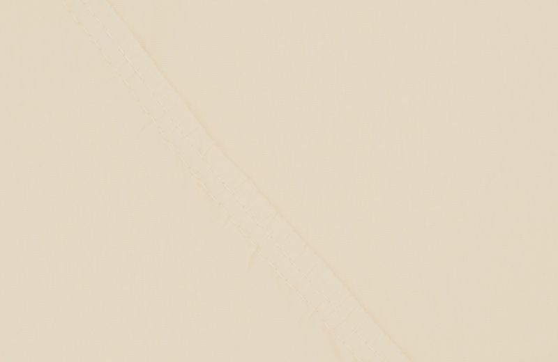 Простыня на резинке Ecotex Поплин, цвет: бежевый, 160 х 200 смES-412Простыня на резинке по всему периметру – это очень удобно! Она всегда ровно, без единой морщинки, застилает матрас. Легко заправляется и фиксируется с помощью «юбки» с резинкой по всему периметру. Нежное прикосновение к телу бархатного на ощупь хлопка, мягкая фактура ткани – вот основное преимущество трикотажных простыней на резинке. Они практичны в уходе, не требуют глажения после стирки, мягкие, экологичные, защищают матрас от загрязнений.
