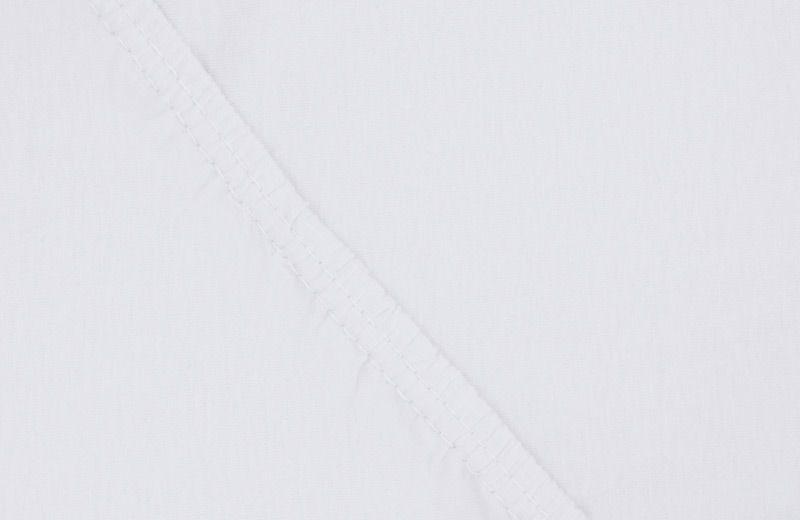 Простыня на резинке Ecotex, цвет: белый, 160 х 200 смES-412Здоровый сон – залог хорошего самочувствия на протяжении всего дня. Простыня на резинке по всему периметру – это очень удобно! Она всегда ровно, без единой морщинки, застилает матрас. Легко заправляется и фиксируется с помощью «юбки» с резинкой по всему периметру. Нежное прикосновение к телу бархатного на ощупь хлопка, мягкая фактура ткани – вот основное преимущество трикотажных простыней на резинке. Они практичны в уходе, не требуют глажения после стирки, мягкие, экологичные, защищают матрас от загрязнений.