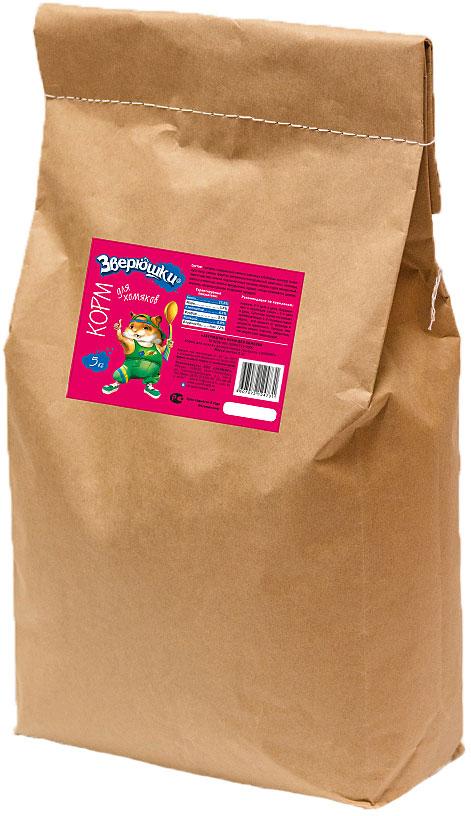 Корм для хомяков Зверюшки, 5 кг0120710Богатый по составу корм для хомяков на каждый день в экономичной упаковке. В нем есть все, что нужно для здоровой и активной жизни любимца: полезные и питательные семена, плющеный горох, ячменные и кукурузные хлопья, плоды рожкового дерева, вкусные овощи и орехи, и т.д. Обеспечит полноценную, здоровую и активную жизнь любимому питомцу.Состав: гранулы, содержащие семена злаковых и бобовых культур, травяную муку, овощи, фрукты, витаминно-минеральный комплекс; пшеница, просо красное, семена подсолнечника, овсянка, ячмень, горох плющеный, хлопья ячменные, хлопья кукурузные, арахис, плоды рожкового дерева, морковь, паприка красная, воздушная кукуруза.