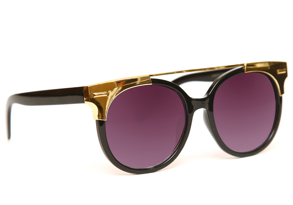 Очки солнцезащитные женские Proffi, цвет: фиолетовый, черный. PH6307INT-06501Очки солнцезащитные для активного образа жизни. Основные особенности: Не пропускают вредоносные солнечные лучиПовышают контрастность цветовосприятияНе искажает изображениеЛегкая и комфортная оправаСтильный дизайМатериал: высококачественный пластик, металл