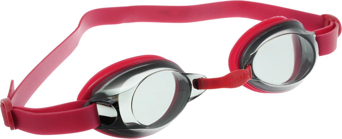 Очки для плавания Speedo Jet Junior, детские, цвет: красный, серый527Детские очки для активного плавания Speedo Jet Junior оснащены гипоаллергенным ремешком и уплотнителем, изготовленными из высококачественного силикона. Подстраиваемая носовая перегородка подходит для разных типов лица. Дымчатые линзы уменьшают попадание света в глаза и снижают общую яркость без излишнего искажения цветов.