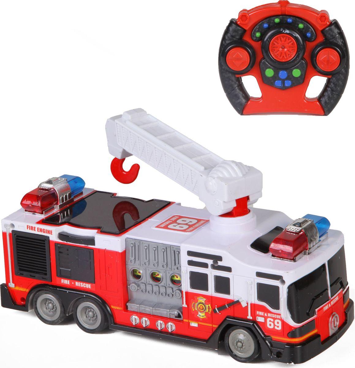 """Радиоуправляемая машина """"Пожарная"""" от торговой марки Yako представляет собой стильную модель одного из видов техники специального назначения. Она сможет заинтересовать ребенка не только своим тематическим дизайном, но также некоторыми функциональными особенностями.На крыше транспортного средства установлена характерная лестница. Благодаря конструктивным особенностям ее можно вращать на 360°, поднимать и опускать, а также раздвигать и вытягивать, увеличивая в длину. Движениями самой машинки можно управлять на расстоянии с помощью пульта радиоуправления. Световые и звуковые эффекты, встроенные в игрушку, помогут реалистично сымитировать звук и мигание огней включенной сирены.Производитель оставляет за собой право изменить комплектацию товара без предварительного уведомления."""