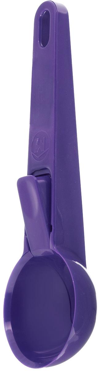 Ложка для мороженого Metaltex Igloo, цвет: фиолетовый, длина 19,5 см9984Ложка для мороженого Metaltex Igloo, изготовленная из пищевого пластика, предназначена для формирования шариков из мороженого и других полутвердых десертов. Удобная рукоятка не позволит выскользнуть ей из вашей руки, а специальная кнопка на ручке поможет легко и просто положить шарик на тарелку. На ручке имеется небольшое отверстие, за которое изделие можно подвесить в любом удобном для вас месте. Практичная и удобная ложка Metaltex Igloo займет достойное место среди аксессуаров на вашей кухне. Диаметр рабочей поверхности: 6 см. Длина ложки: 19,5 см.