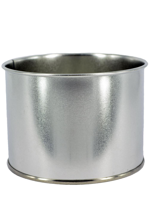 Sugaring Pro Банка для разогрева воска, жестяная, 400 мл8913Жестяная банка с запаянной крышкой для разогрева воска и парафина в нагревателе баночного типа.