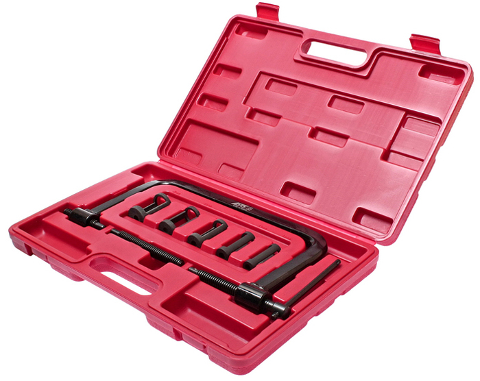 Рассухариватель клапанов JTC универсальный. JTC-1304JTC-1304Рассухариватель клапанов JTC используется при замене клапанов или во время других операции, связанных с извлечением клапанов из головки блока цилиндров. Применяется для автомобилей и мотоциклов. Толкатели предназначены для легкого сжатия клапанной пружины и ее корректной фиксации. Набор упакован в прочный переносной пластиковый кейс. Размер толкателей: 16 мм, 19 мм, 23 мм, 25 мм и 30 мм.