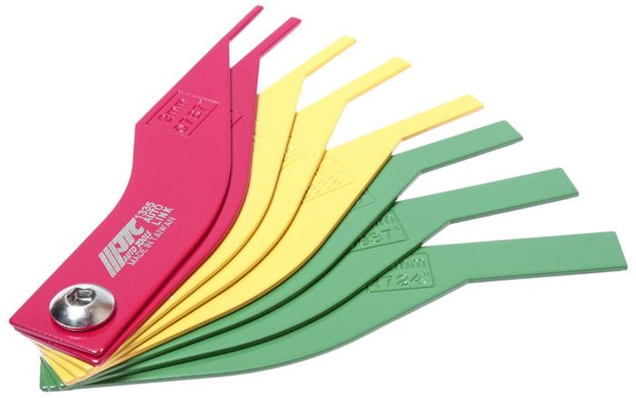 JTC Набор щупов для измерения толщины колодок дисковых тормозов. JTC-1335CA-3505Специальная конструкция позволяет точно определить степень износа тормозной колодки.Размеры:Красный цвет, 2, 3 мм. - непригодно для эксплуатации. Желтый цвет, 4, 5, 6 мм. - небезопасно для эксплуатации. Зеленый цвет, 8, 10, 12 мм - допускается к эксплуатации. Габаритные размеры: 250/125/25 мм. (Д/Ш/В) Вес: 244 гр.