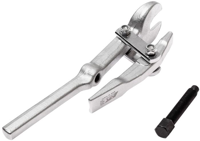 JTC Съемник шаровых опор универсальный, рычажного типа. JTC-1915CA-3505Предназначен для снятия шаровых опор с рычага рулевого управления, поворотного кулака, рулевой поперечной тяги и т.п. Ширина зева: 19 мм. Количество в оптовой упаковке: 20 шт. Габаритные размеры: 330/75/60 мм. (Д/Ш/В) Вес: 1183 гр.