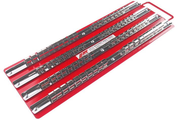 JTC Лоток с реечными держателями головок. JTC-3413CA-3505Размеры фиксаторов: 1/4; - 20 шт., 3/8; - 30 шт., 1/2; - 30 шт. Размеры: 440х150 мм. Толщина держателя: 0.8 мм. Хромированная низкоуглеродистая сталь. Толщина фиксаторов: 0.3 мм. Никелированная высокоуглеродистая сталь. Толщина лотка: 0.8 мм., красный, покрытие - эмаль горячей сушки. Количество в оптовой упаковке: 20 шт. Габаритные размеры: 432/152/23 мм. (Д/Ш/В) Вес: 810 гр.