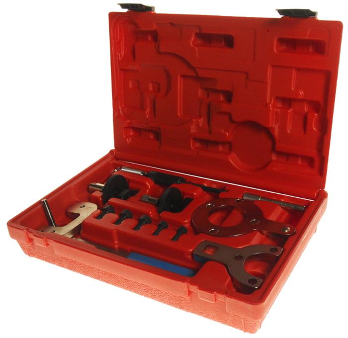 JTC Приспособление для выставления момента зажигания (Ford, Fiat, SUZUKI). JTC-4176CA-3505Набор инструментов предназначен для установки и регулировки ГРМ. Применение: Форд (Ford) Ka 1.3 TDCi; Фиат (Fiat) Punto, Idea, Dublo 1.3 JTD; Сузуки (Suzuki) Ignis, Wagon, Swift 1.3 CDTi; Опель (Opel) Agila, Corsa, Combo, Astra, Tigre, Meriva 1.3 CDTi. В набор для установки ГРМ входят необходимые приспособления, которые могут быть использованы согласно технической ноте технической документации к двигателю данной модификации. В комплекте: Фиксатор распредвала.Приспособление для фиксации натяжителя ремня ГРМ.Фиксатор маховика в положении ВМТ.Приспособление для удерживания от проворачивания фланца коленвала.Натяжное приспособления прижимного ролика.Фиксатор коленвала.Упаковка: прочный пластиковый кейс. Габаритные размеры: 300/200/65 мм. (Д/Ш/В) Вес: 1617 гр.