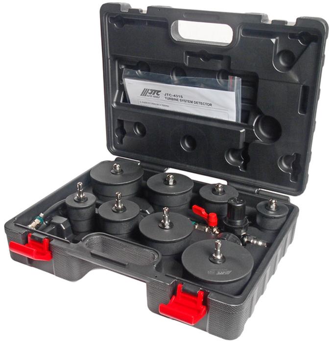 JTC Детектор утечек в турбосистемах. JTC-4315кн14,4Специально предназначен для обнаружения утечек в турбосистемах. В комплект входит 4 пары переходников, что способствует применению детектора с патрубками различных диаметров. Подходит для систем низкого давления. Возможно использование с шлангами системы охлаждения. Рабочее давление: 1.5 кг/см². Переходник: 80-90 мм. х2; 65-75 мм. х2; 50-60 мм. х2; 35-45 мм х2. Габаритные размеры: 390/300/120 мм. (Д/Ш/В)Вес: 2615 гр.