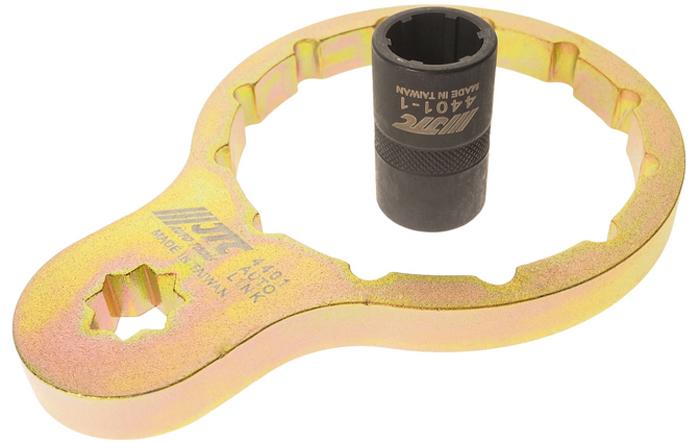 JTC Съемник топливного фильтра ISUZU дизель. JTC-4401CA-3505Используется для снятия топливного фильтра при его замене.В комплекте: специальный переходник 1/2 DR для снятия/установки топливного фильтра.Размер: 1/2, внутренний диаметр 87 мм, 12 граней.Применение: ISUZU (Исузу) ELF/FORWARD (после 2011 г.в.).Оригинальный номер: 8-98158458-0.